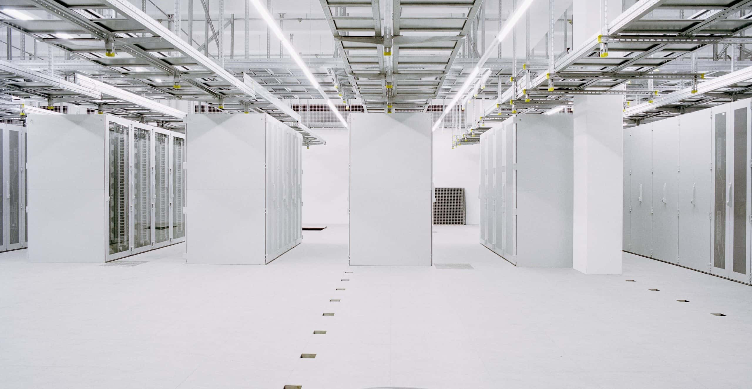 We help you to plan, build and operate highly efficient, strongly protected data centers.